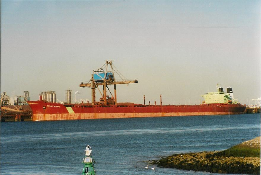 Capesize freighter. Photo by Capt. Jan Melchers.